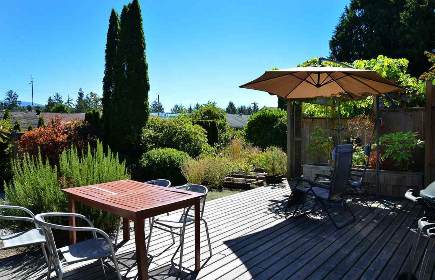 5745 Surf Circle, Sechelt District, Sunshine Coast